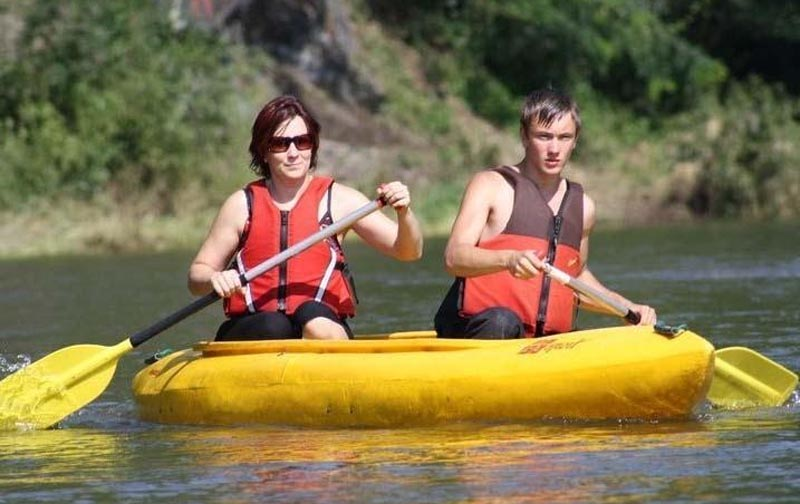 32 - Sailing in canoe - one-day cruise along the Sázava river, back by train (22 km)