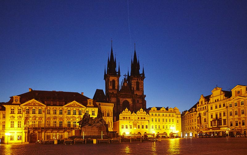 5 - Old Town Square - with the Town Hall and astronomical clock (22 km)